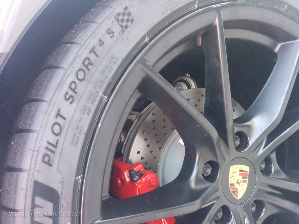 Michelin Pilot Sport 4S and Porsche 911 Carrera GTS (37)