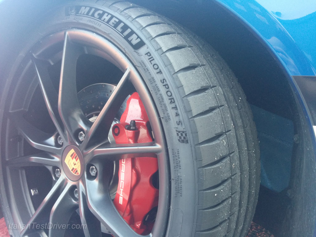 Michelin Pilot Sport 4S and Porsche 911 Carrera GTS (43)