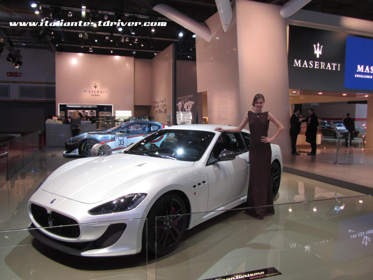 motor show di bologna 2011 live lo stand maserati italiantestdriver. Black Bedroom Furniture Sets. Home Design Ideas