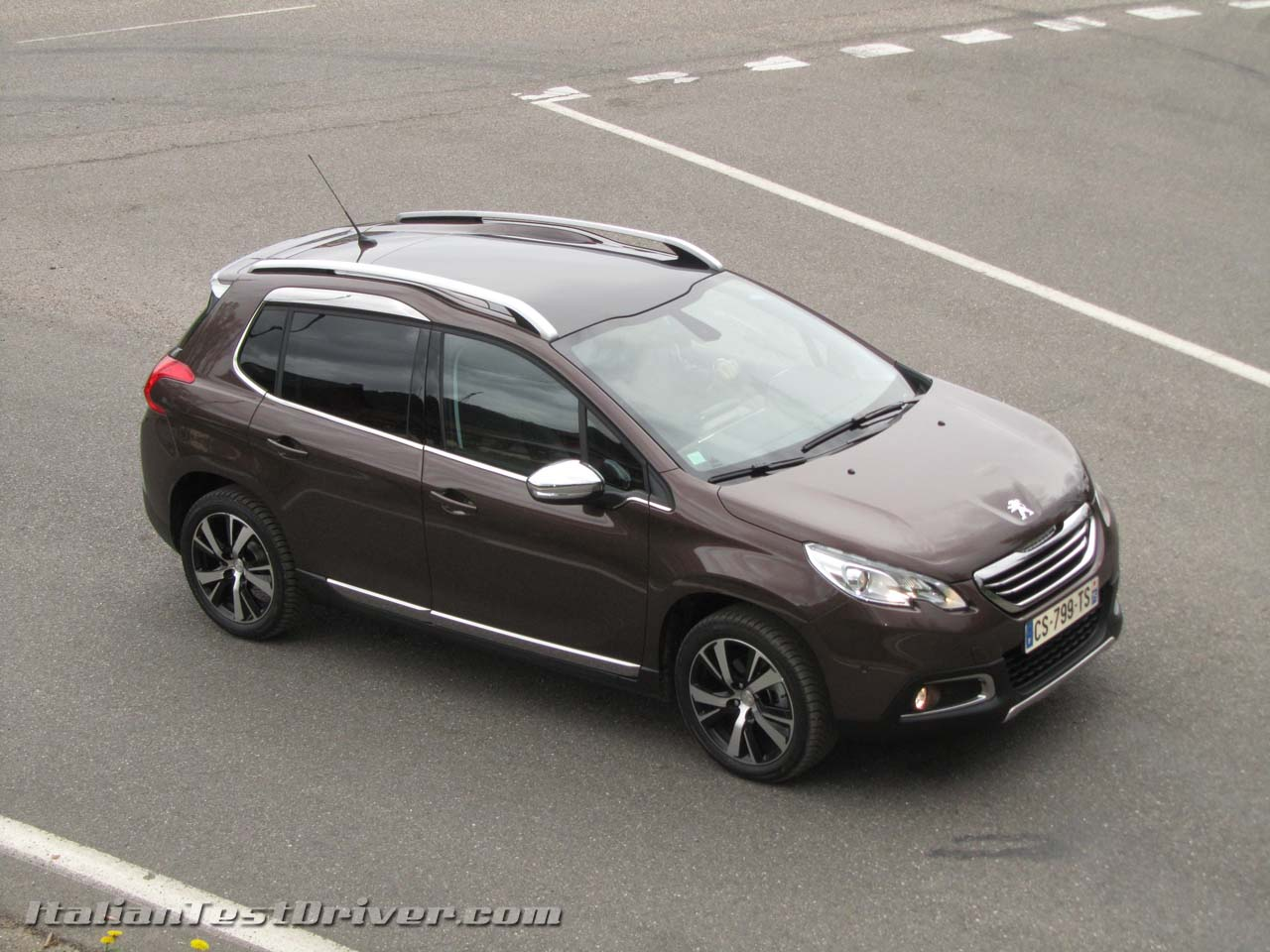 test drive peugeot 2008 italiantestdriver. Black Bedroom Furniture Sets. Home Design Ideas