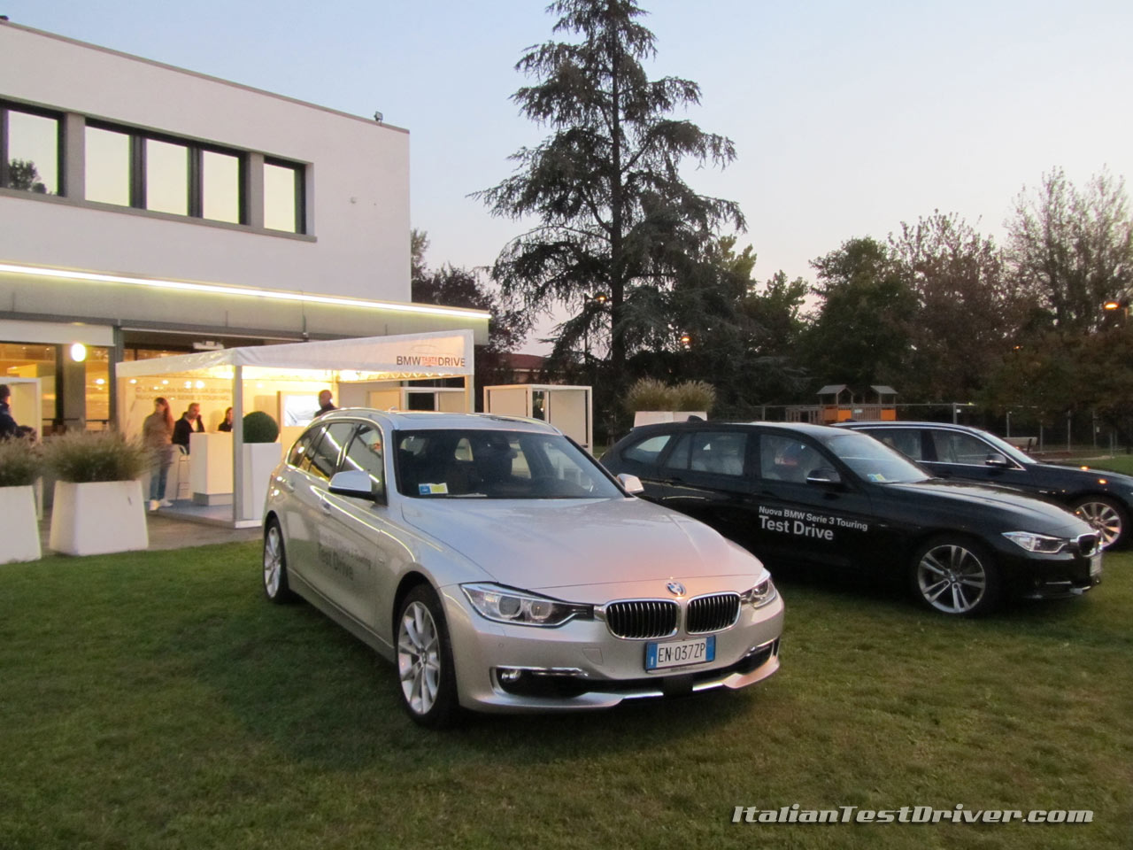 test drive nuova bmw serie 3 touring 320d sport line italiantestdriver. Black Bedroom Furniture Sets. Home Design Ideas