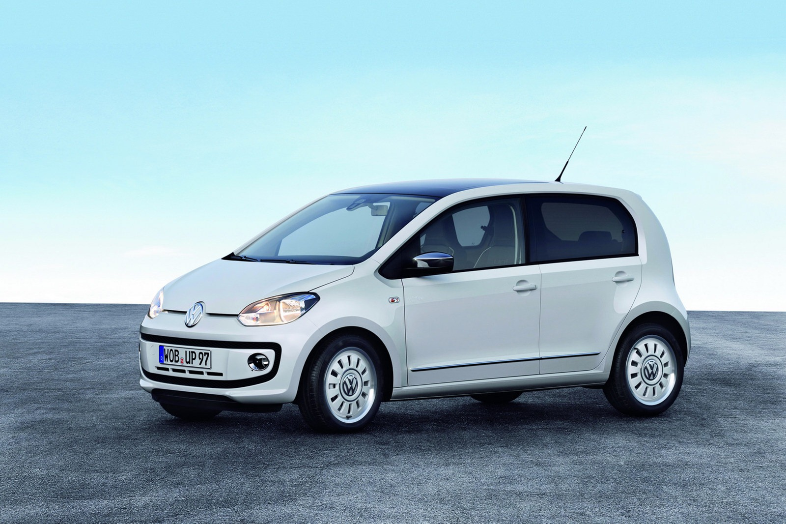 volkswagen up 5 porte immagini ufficiali e dati tecnici. Black Bedroom Furniture Sets. Home Design Ideas