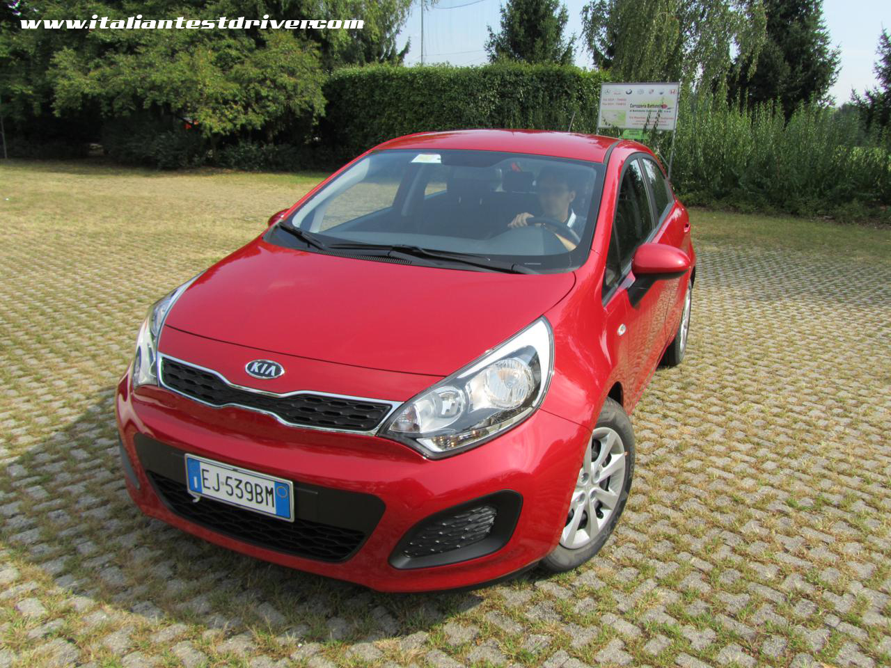 test drive kia rio lx 1 2 da 85 cv italiantestdriver. Black Bedroom Furniture Sets. Home Design Ideas