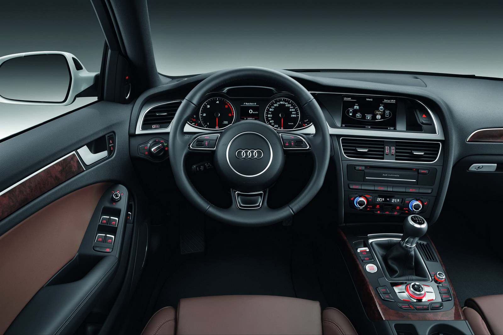 Interni audi a4 restyling italiantestdriver for Audi a4 break interieur