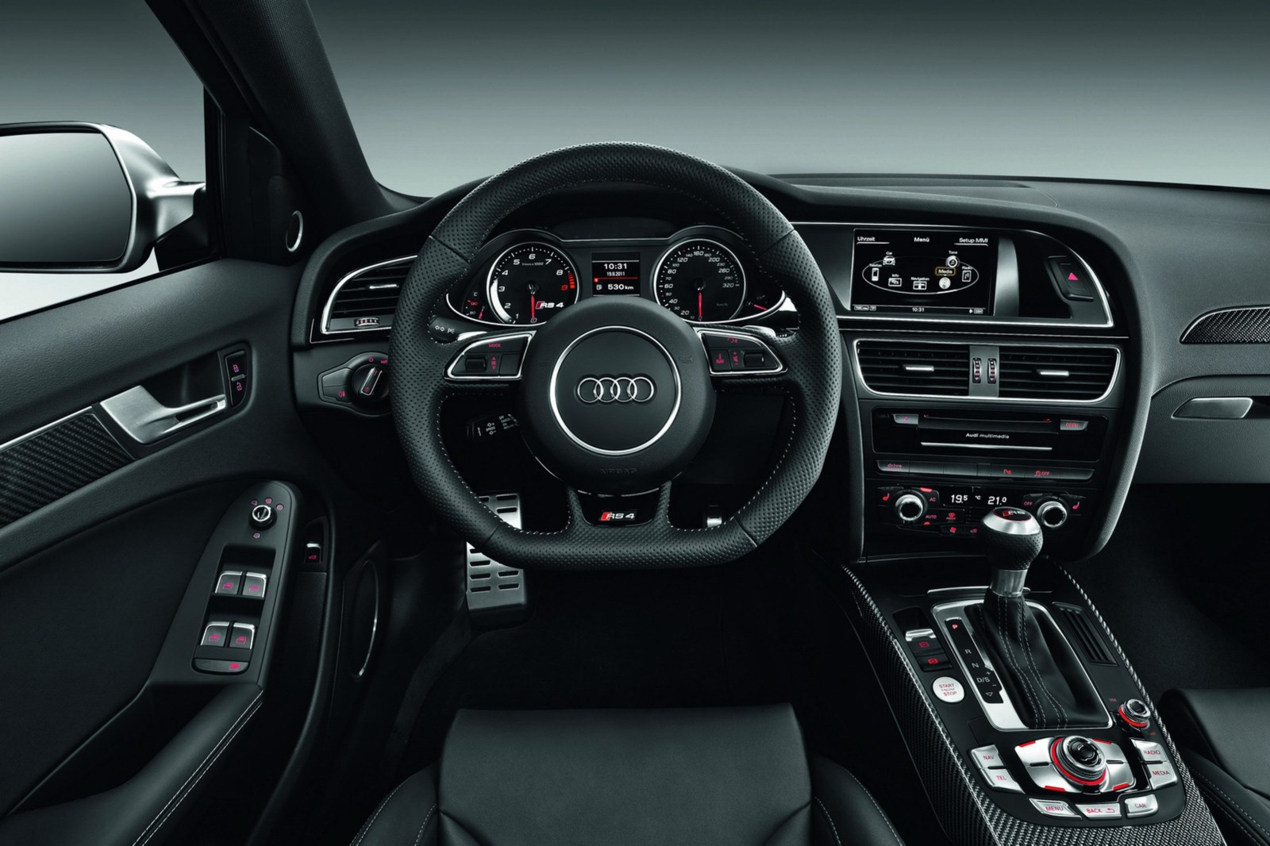 nuova audi rs4 avant immagini ufficiali e dati tecnici. Black Bedroom Furniture Sets. Home Design Ideas