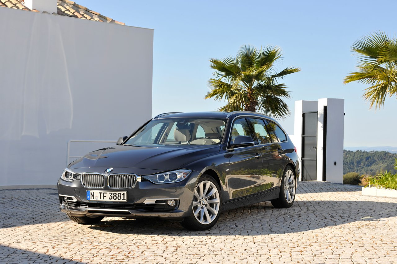 bmw serie 3 touring immagini ufficiali e dati tecnici italiantestdriver. Black Bedroom Furniture Sets. Home Design Ideas