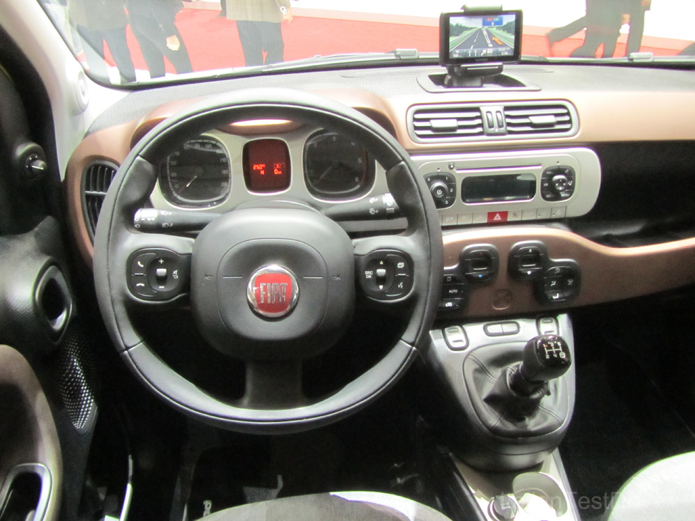 Fiat Panda Cross Interni Salone Di Ginevra 2014 8