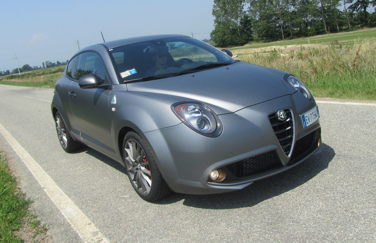 test drive alfa romeo mito quadrifoglio verde in pista a balocco italiantestdriver. Black Bedroom Furniture Sets. Home Design Ideas
