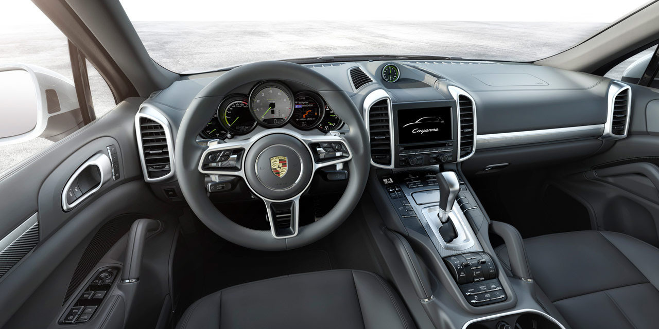 porsche cayenne restyling stile moderno e sportivo anche. Black Bedroom Furniture Sets. Home Design Ideas
