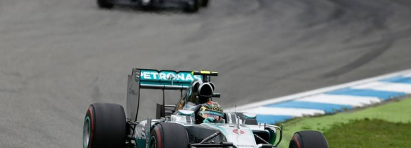 Formula 1, GP di Germania: Rosberg trionfa in casa. Splendido duello Alonso-Vettel