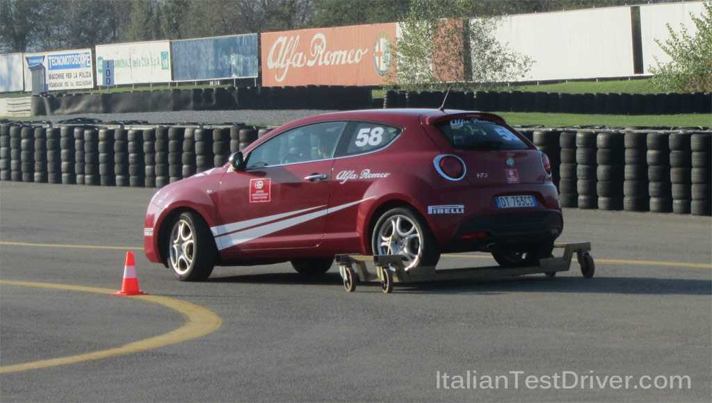 Alfa-Romeo-Driving-Day-prova-carrello