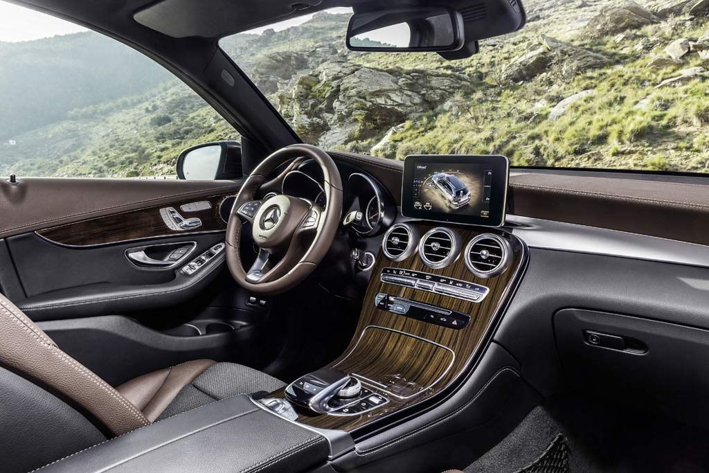 Mercedes-GLC-interni