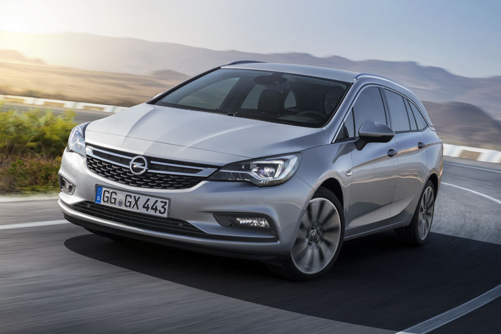 Nuova Opel Astra Sports Tourer station wagon (3)