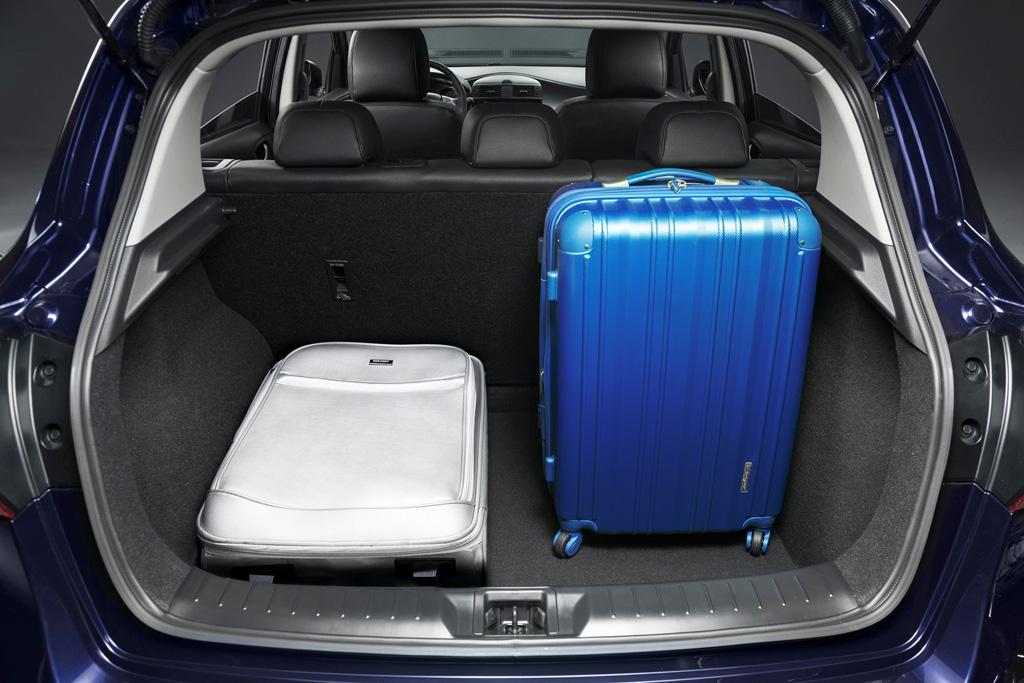Nissan Pulsar: immagini ufficiali della nuova hatchback ...